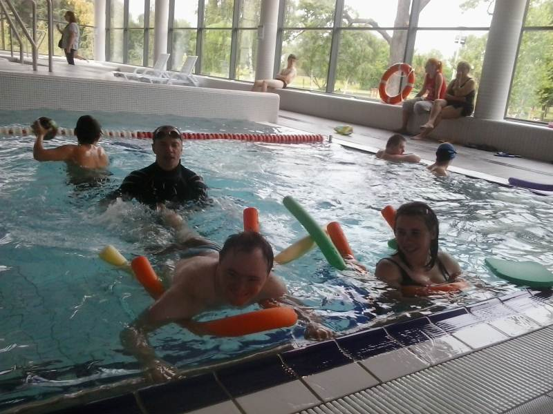 Zajęcia na basenie dla osób niepełnosprawnych w ramach projektu - 2014