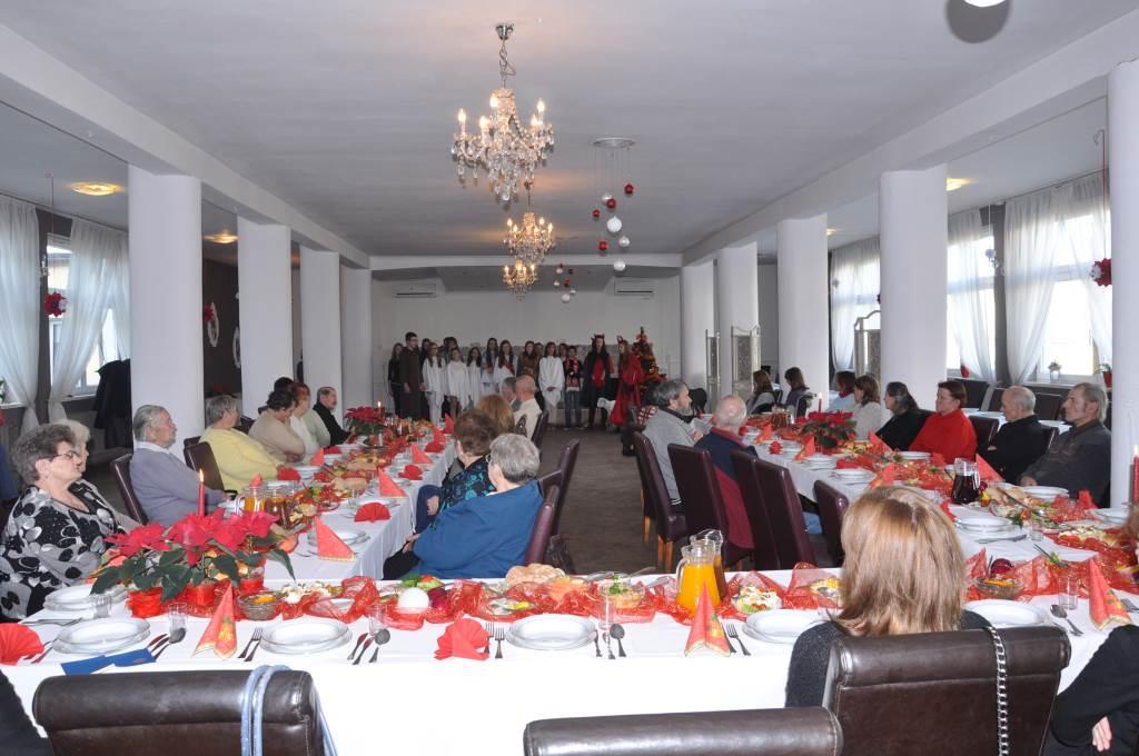 Spotkanie wigilijne z podopiecznymi - 2013